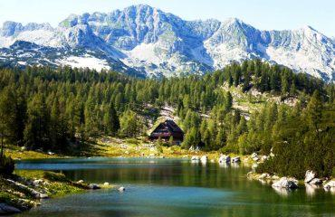 triglav_self_guided_triglav_lakes_valley