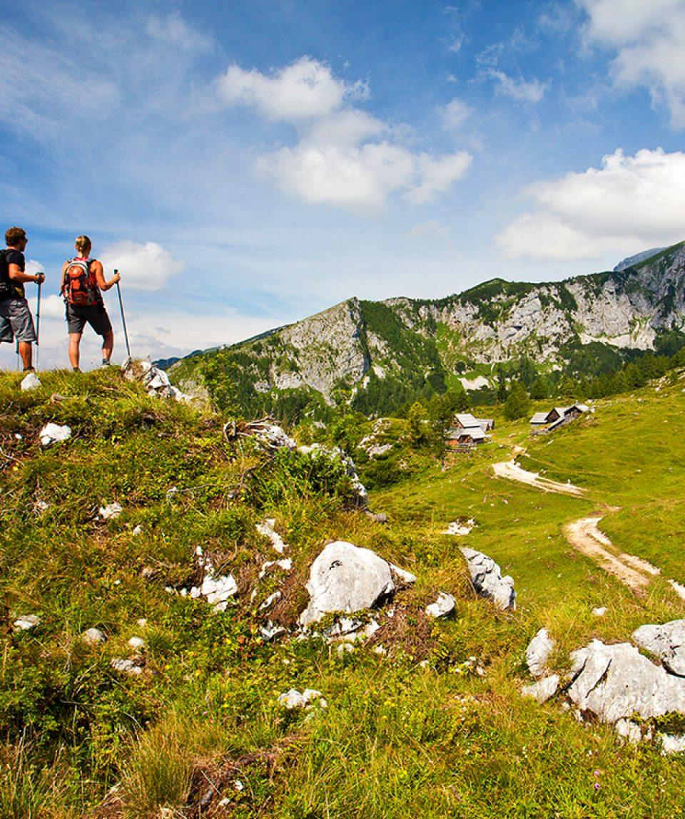 self_guided_walking_tour_slovenia_alps_life_adventures_01