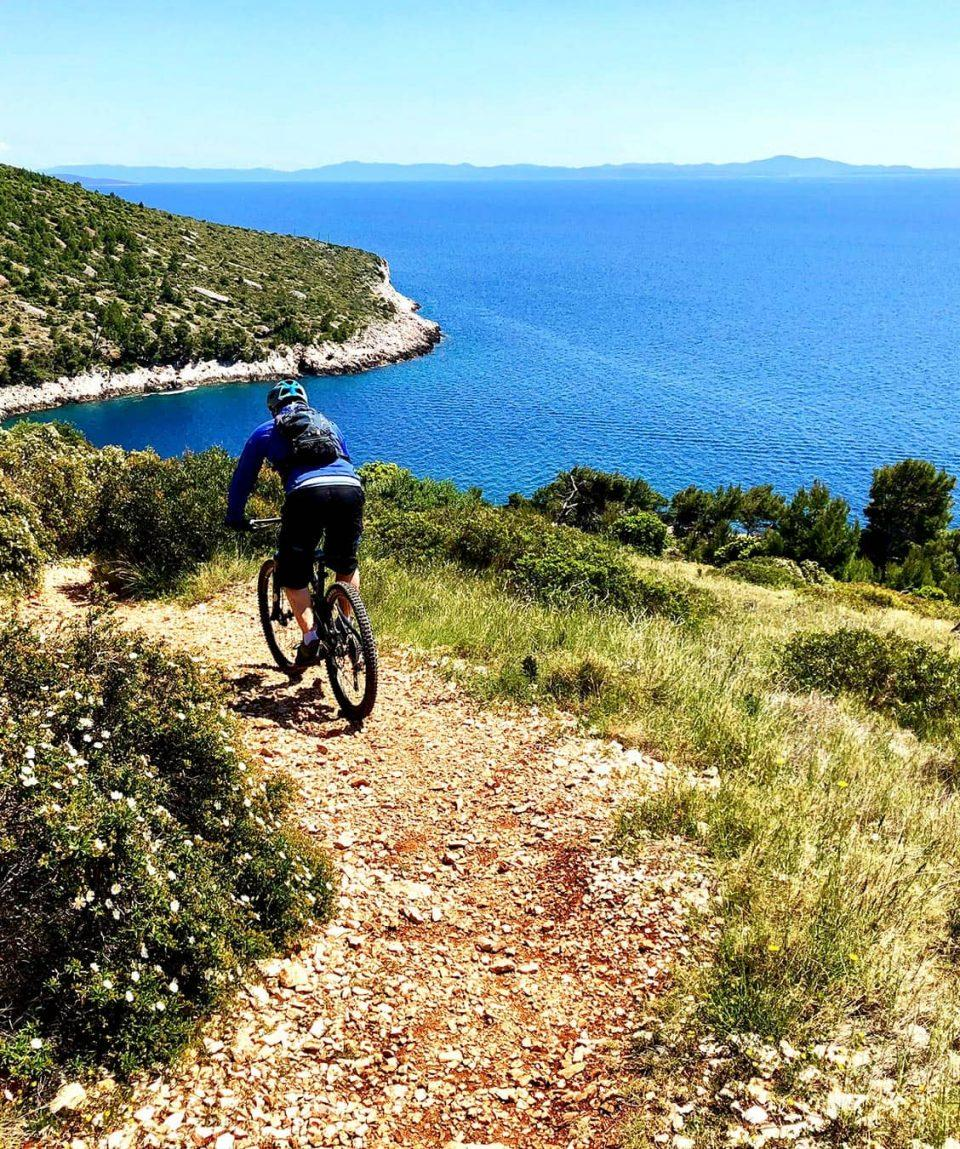 croatia_bike_tours_islands_hvar_single_trails_mountain_biking