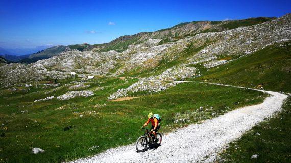 montenegro_bike_tour_mountain_biking_life_adventures_01